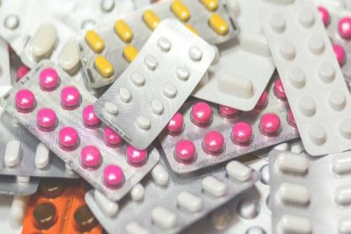 코로나19 치료를 위해 테스트되고 있는 약품 개요: remdesivir, favipiravir, lopinavir, ritonavir, chloroquine, hydroxychloroquine, ribavirin