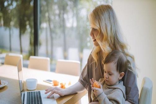 팬데믹 시대의 재택근무: 엄마 연구자 3명의 이야기