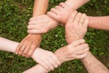 한국 피어 리뷰어는 글로벌 피어 리뷰 커뮤니티의 일원일까? – 5명의 연구자 의견